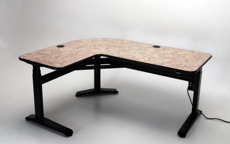 Ergo L height adjustable L-shaped desk